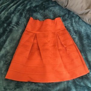 H&M NWT Rust-colored Skirt (size S)